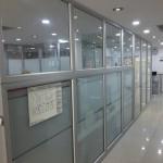 division-en-aluminio-y-vidrio-oficinas-ideal-03