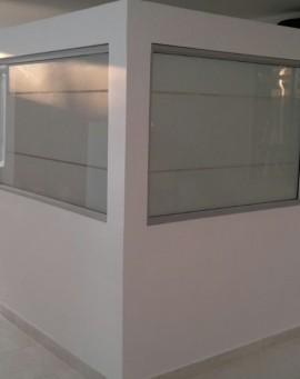 division-en-drywall-y-aluminio-oficinas-ideal-01