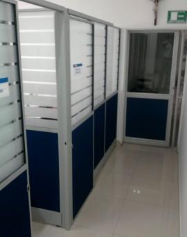 division-en-pano-y-aluminio-oficinas-ideal-02